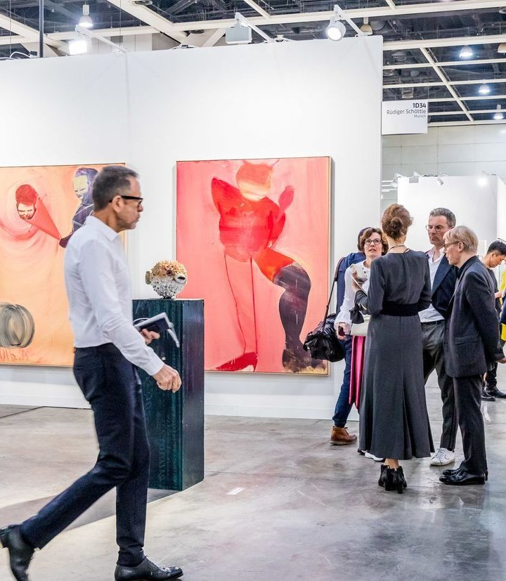 18145119-art-basel-hong-kong_article_1240x827